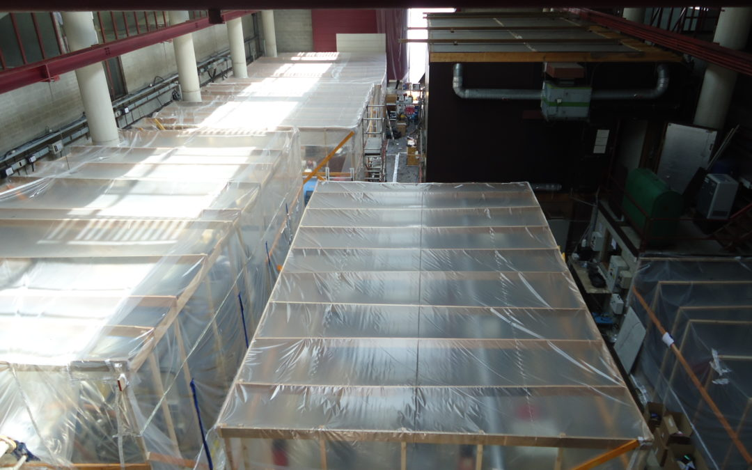 Des chapelles bâchées dans le laboratoire de Thermodynamique d'ULiège